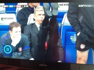 Arsene warming up #LadStyle